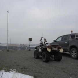 (2013) Station fixe de relevé GPS, quad et Toyota Hilux